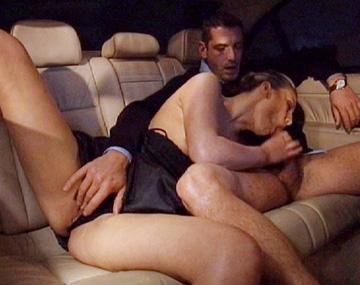 Private  porn video: Jessica May's afspraakje van vanavond was zo'n succes dat ze hem al in de auto neukte
