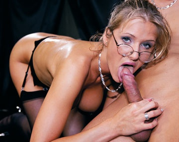 Private  porn video: Sekretärin Jane Darling liebt es hart Anal