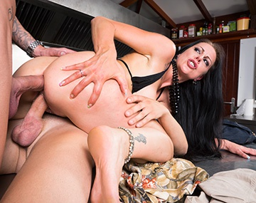 Private HD porn video: Texas Patti, Milf Addicted to DP