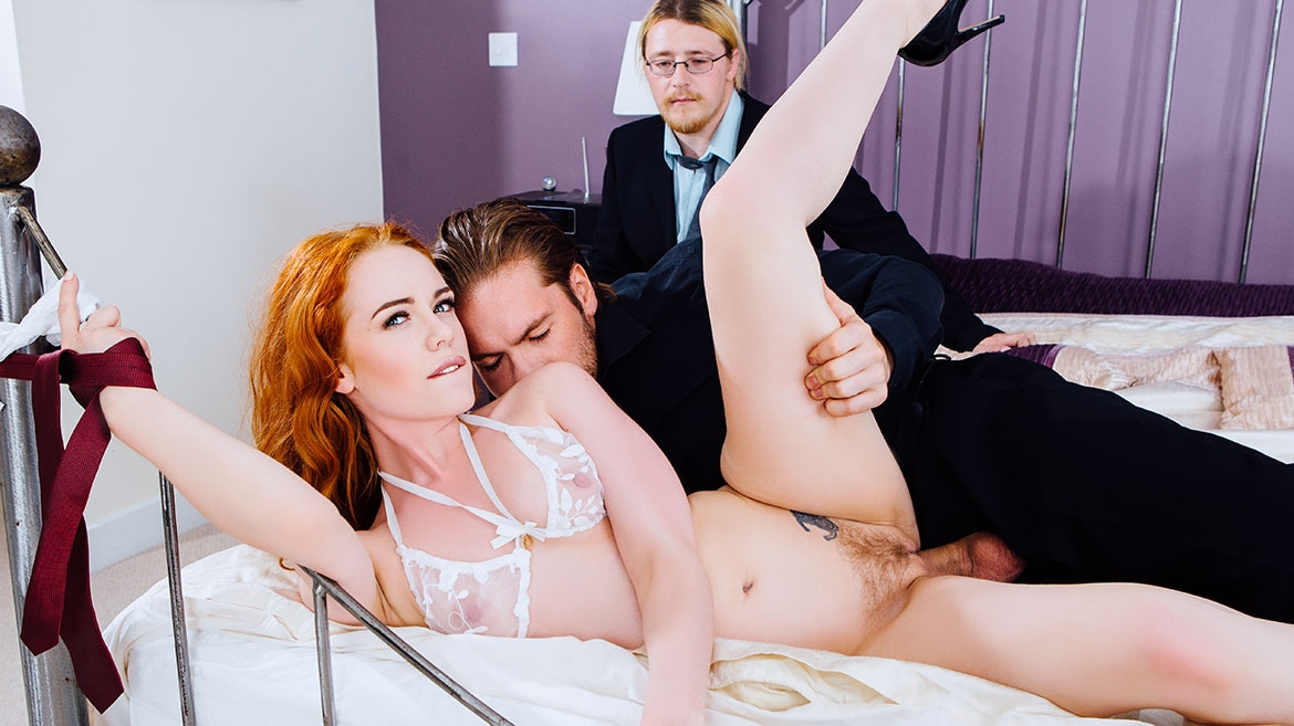 Ella Hughes' Husband Is a Cuckold Devout Who Loves Watching Sperm Spilled Over His Wife's Hairy