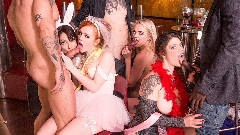 Interrazziale discoteca orgia completo di fontana, anale e DP