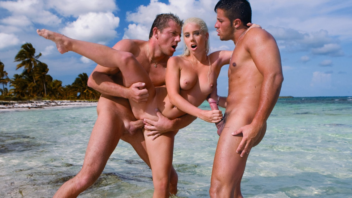 Nesty, Enjoys the Outdoors While Giving Hand Jobs in MMF Threeway