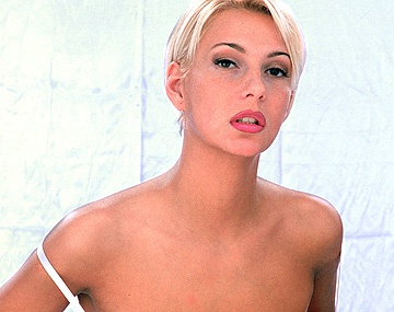 Private  porn video: Carmen Is a Lingerie Model Who Gets Her Photographers Hot and Bothered