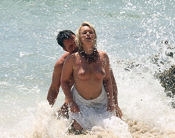 Private  porn video: Ellen Saint en la playa tropical se monta un trío con anal, DP y corrida facial