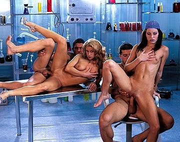 Private  porn video: Claudia Jamsson y Julia Taylor entre probetas, se montan una orgía con anal y leche sobre las tetas