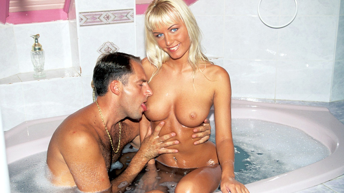 Magdalena Gets Cunnilingus in Bathtub before Pussy and Butt Fucked