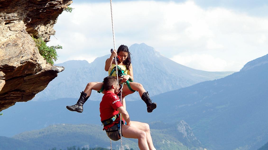 La china alpinista se la come al motorista