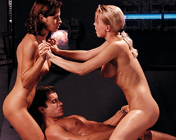 Private  porn video: Silvia Saint and Wanda Curtis Enjoy FFM Threeway with Cunnilingus
