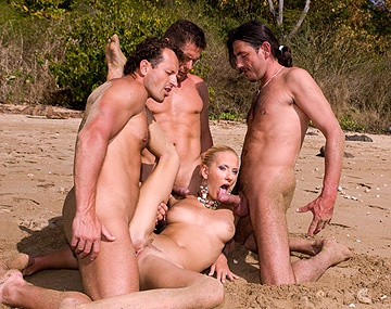 Private HD porn video: On the Tropical Beach Justine Joins Some Men and Gets Boned