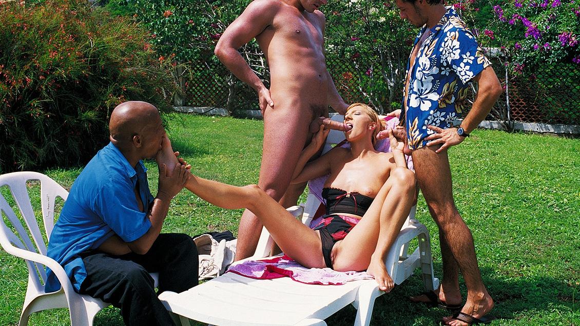 Janet Alfano op een picnic met anale sex op het menu