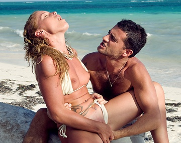 Private HD porn video: This Couple Relaxes on the Tropical Beach and Has Oral Sex Together