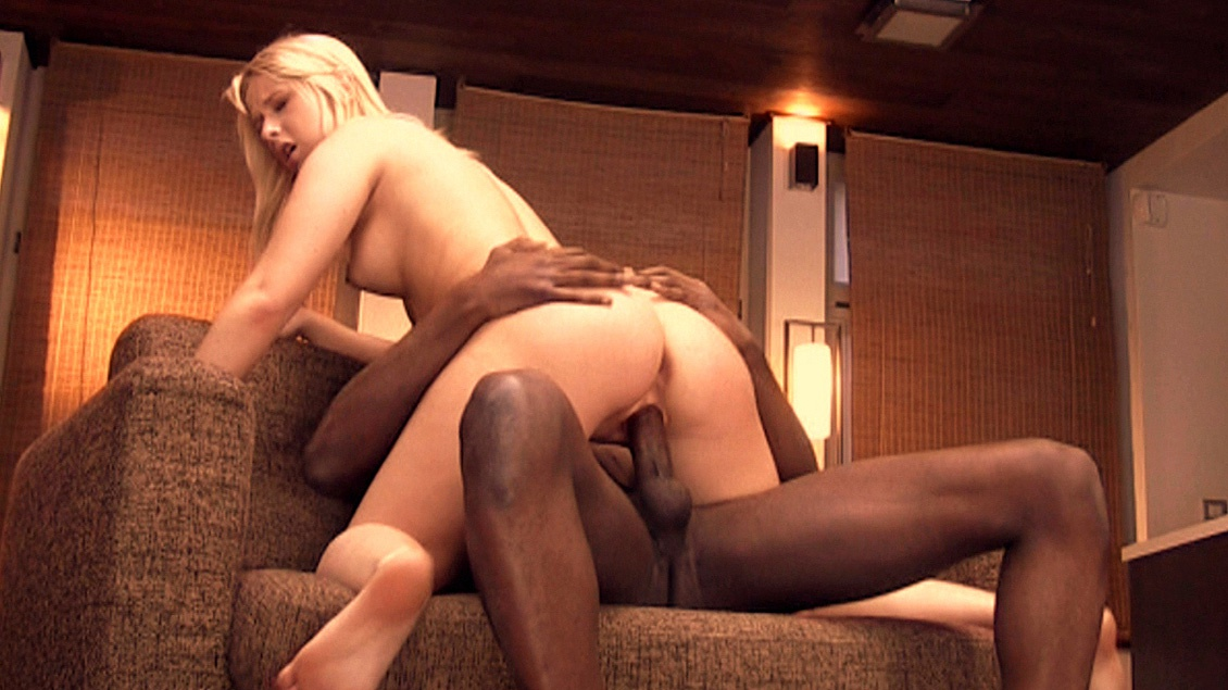 Lady Pink Is Horny for This Black Guy Who Is Chatting with Her