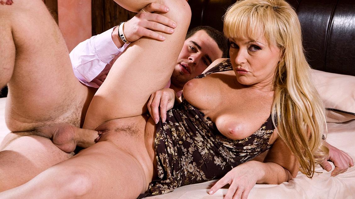 Blonde MILF Renata Talks Man into Buying House for Anal Sex