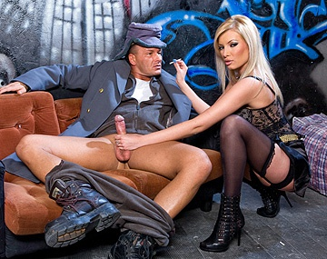 Private  porn video: Donna Bell Lets a Guy Fuck Her Ass Hard in a Back Alley