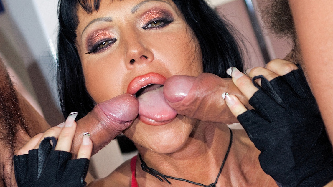 Milf and cock socket