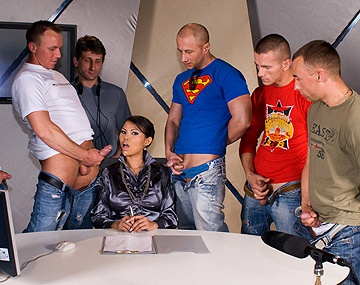 Private HD porn video: Beauté sexy asiatique Sai-Tai en prend plein la face lors d'un Bukkake