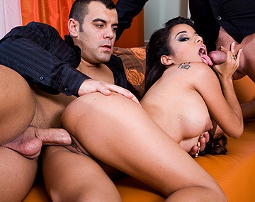 Private  porn video: Zuleidy Gives Blowjob While Giving Foot Job in MMF Threesome