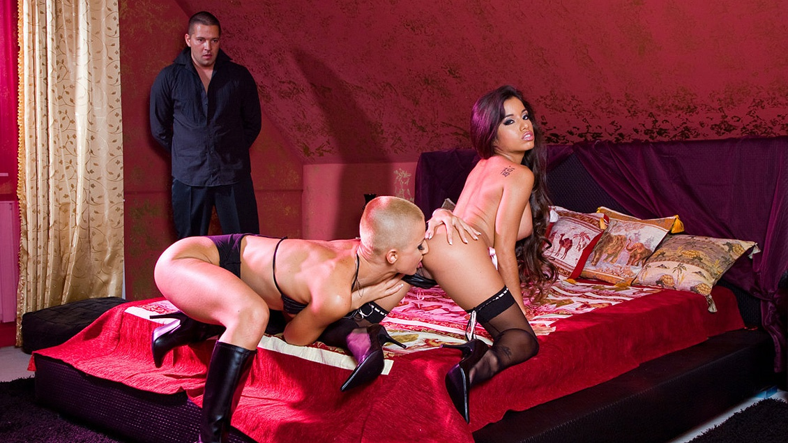 C.J and Zuleidy Go Wild in This Bisexual Threeway with a Cum Swapping