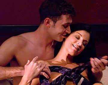 Private HD porn video: Hablando de todo un poco cariño ¿Follamos?