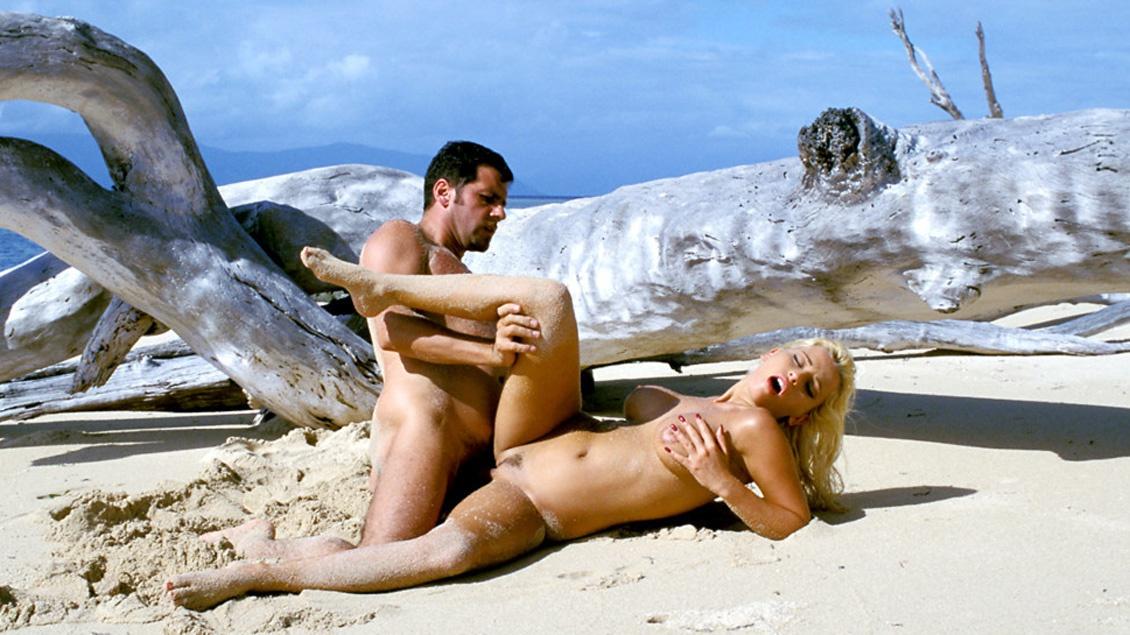 Regardez Gabriella Bond, Une Blonde Sexy, Se Faire Démonter La Chatte