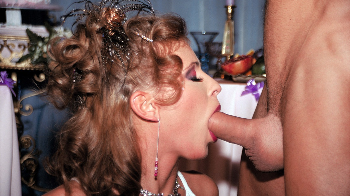 Champagne Blowjob Party With Tea Blondie