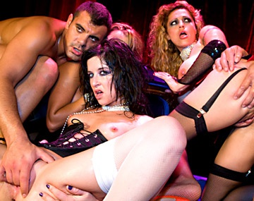 Private  porn video: Tiffany Hopkins, Claudia et Yessy se lancent dans une scène hard