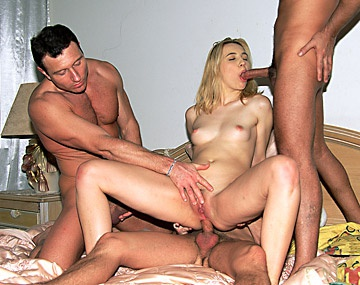 Private  porn video: Gangbang con DP, doble anal y Bukkake para Bernadett