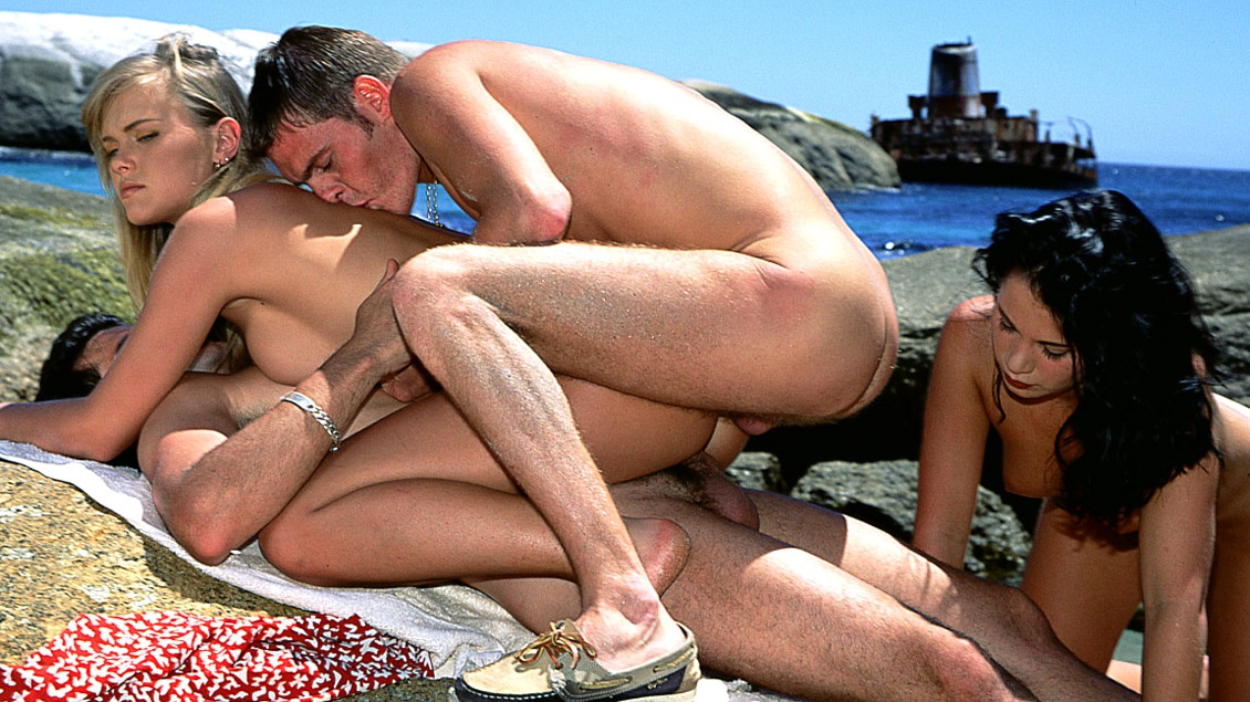 Blondie and Demia Have a Hardcore Afternoon on the Sunny Beach