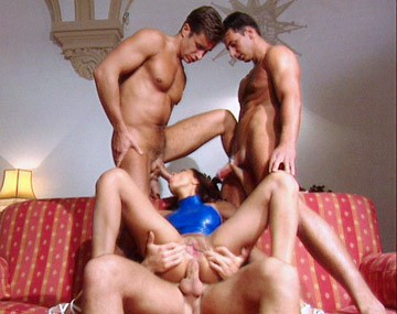 Private  porn video: Vanda Loves Being the Main Attraction in This Gangbang with a Bukkake