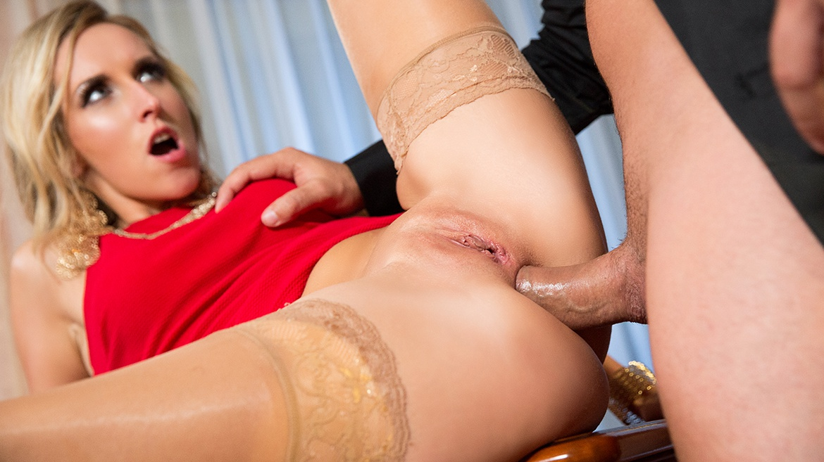 Granny gets laid with a younger gent 5