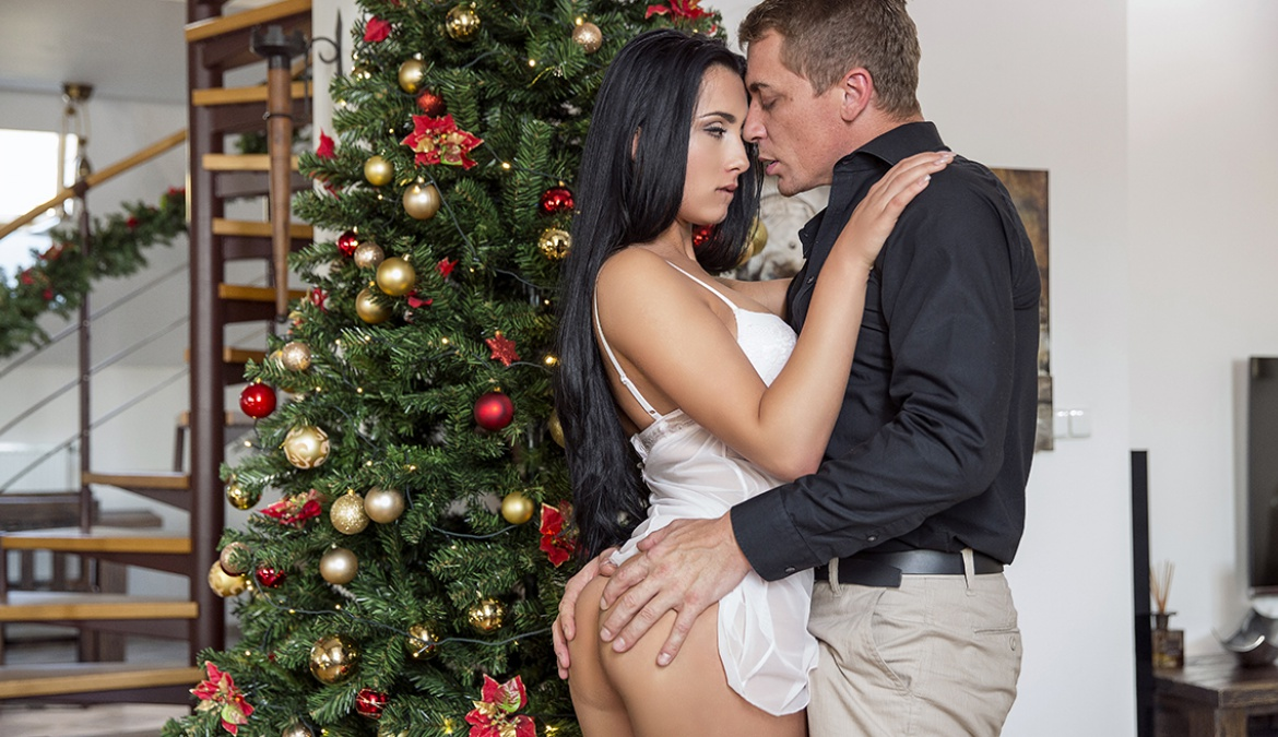 Horny Ana Seduces Stepfather and Fucks Him as Her Christmas Gift