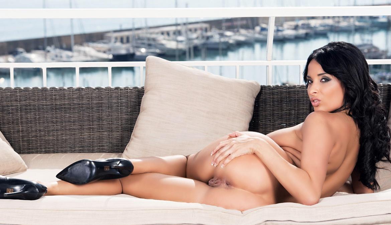 Anissa Kate DP y creampie anal con dos machos ibéricos