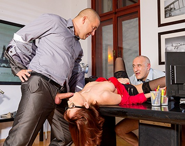 Private HD porn video: Tina Hot, secretaria apta para DP y para ser enculada por el jefe