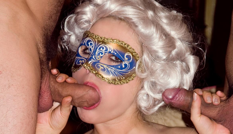 De gemaskerde Anastasia krijgt een geile DP