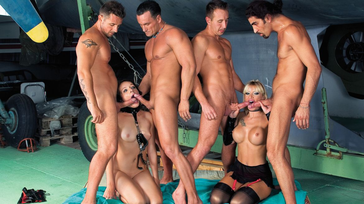 Clubs orgy party
