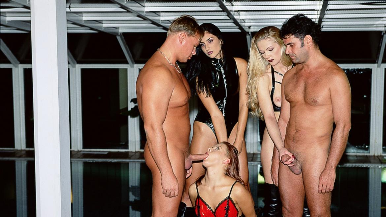 Mia Stone, Sylvia and Yasmine have a Kinky 3way with Hardcore Action