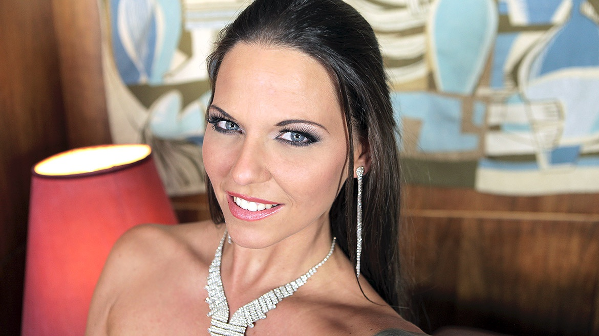 Hardcore Gang Bang Legend Simony Diamond In an Exclusive Interview