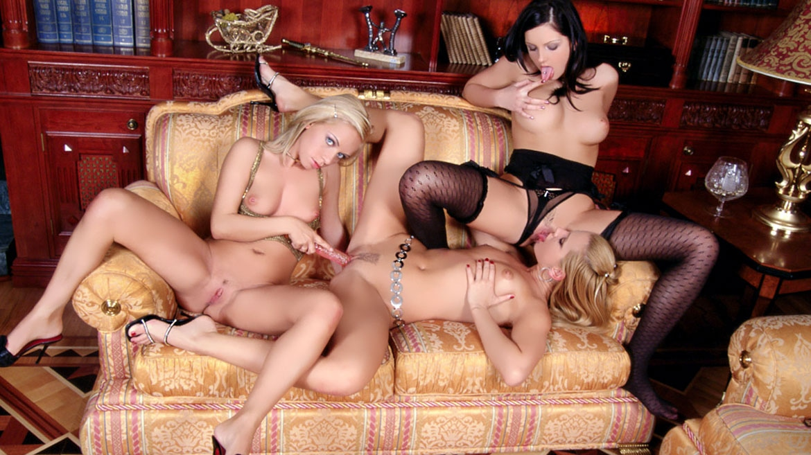 Sandra Shine, Jennyfer and Sandy Three lesbians and Two Dildos