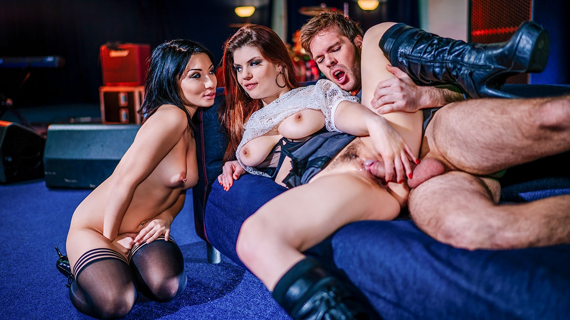 Lucia Love Takes a Pussy Cumshot During Trio With Rina Ellis