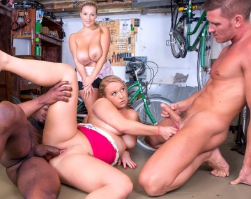 Private HD porn video: Crystal Swift y Bambi Bella, rellenitas, tetudas y cachondas en el taller